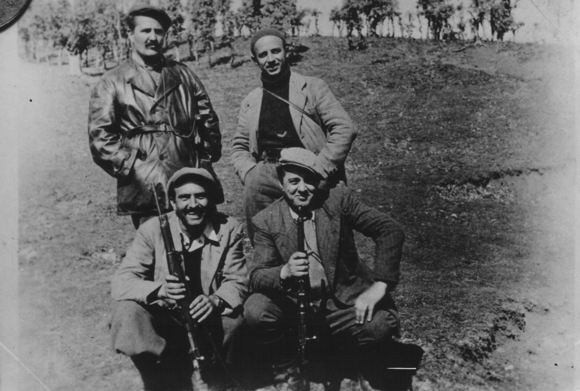 Enver Hoxha së bashku me themeluesit e PKSH-së, terroristët Milladin Popoviç dhe Dushan Mugosha.