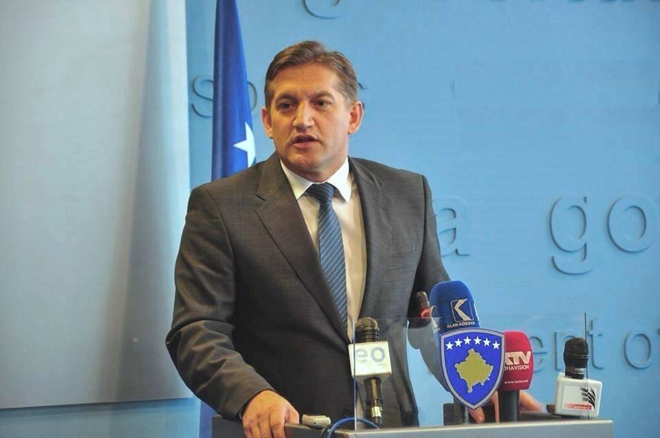 Deputeti me pesë vende pune, brenda viti merr 67 mijë euro