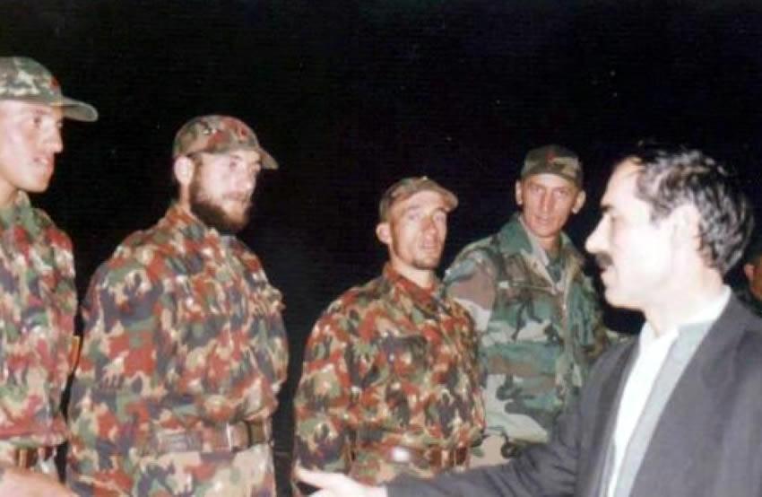 Ftesë nga bashkëpuntorët e ish-Ministrit të Mbrojtjes kolonel Ahmet Krasniqit