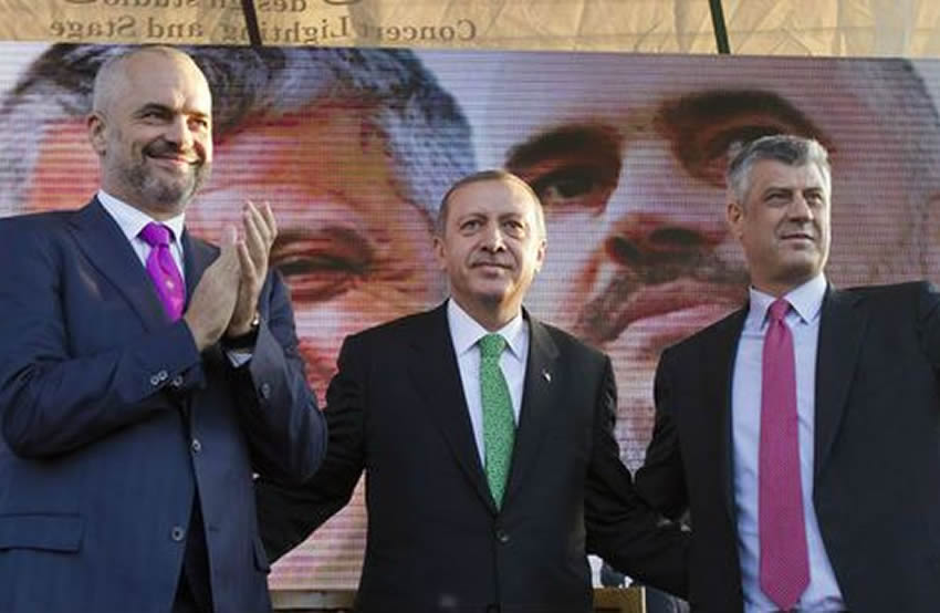 Erdogan kërkon gylenistët në këmbim të ndihmave për tërmetin