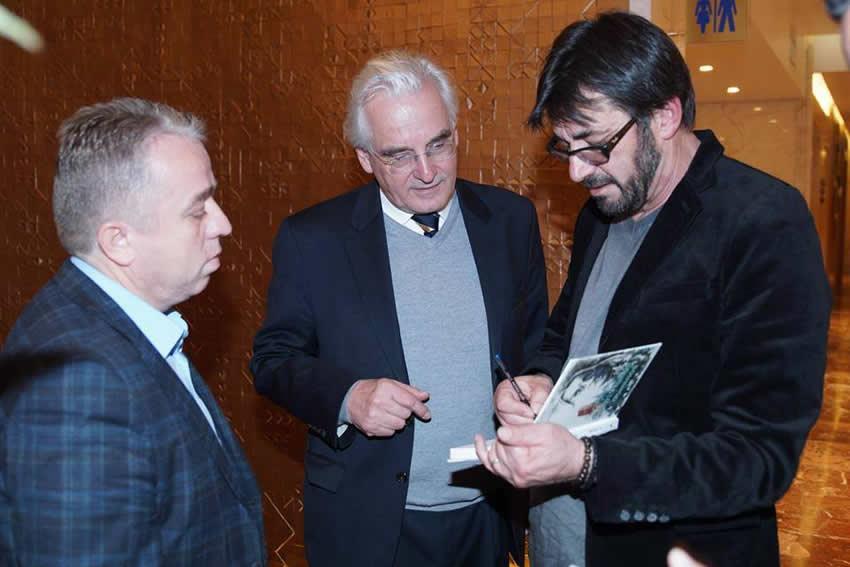 Ilir Demalia polemizon me Xhufin, Milon dhe Zeqon për Mid'hat Frashërin dhe Luftën