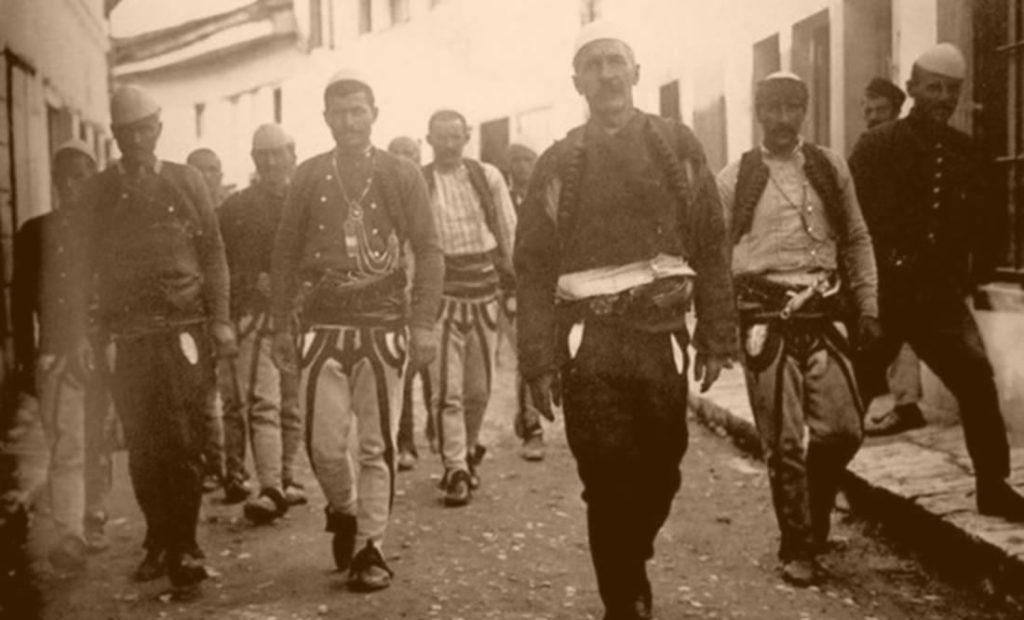 Shpallja e Pavarësisë, si u ngritën flamujt në Shqipërinë etnike