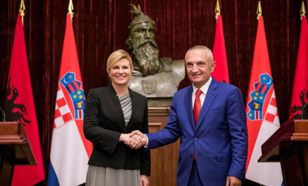 Fatkeqësisht, ende nuk jemi, por do bëhemi vëllezër armësh me kroatët