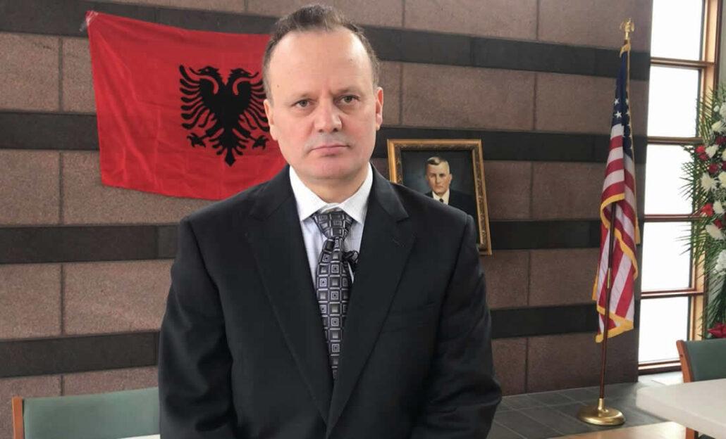 A ashte ma n'fun tu fillue me u ndergjegjsue shqiptari !