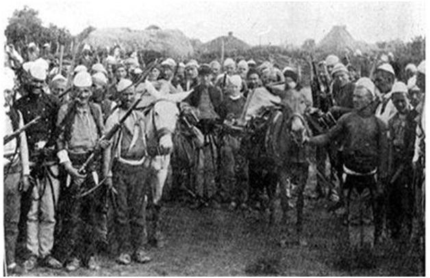 Foto 11. Shqiptarët nga Llapi e Gallapi, që në vitin 1912, ishin organizuar për të hyrë në Prishtinë