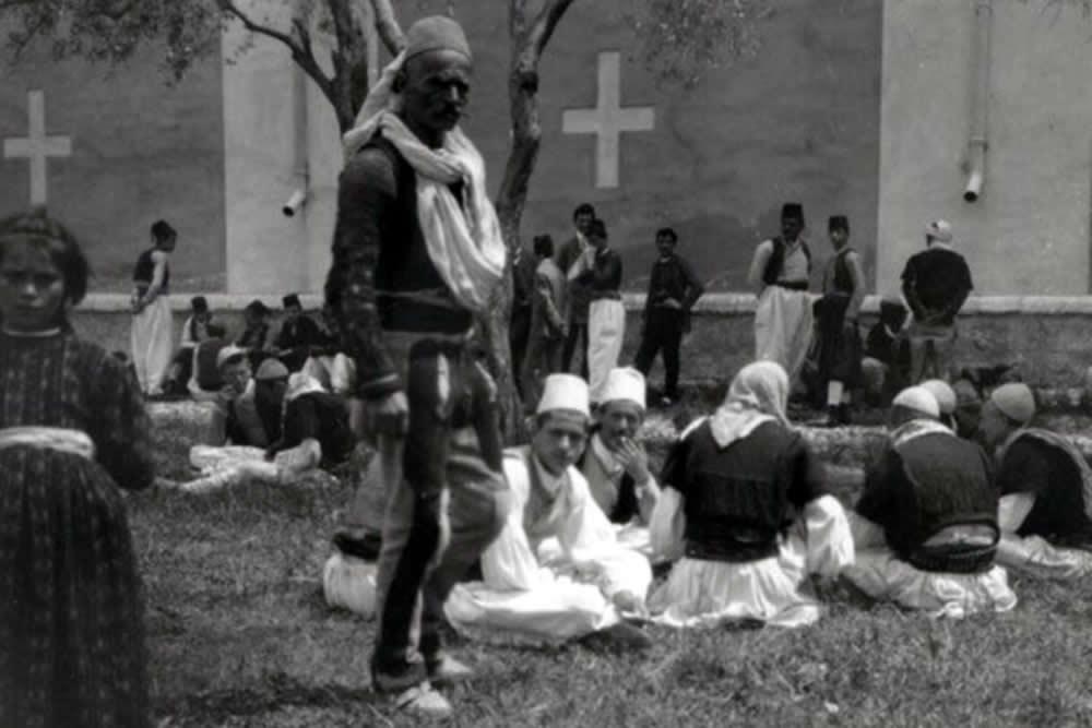 EDITH DURHAM PËR TRADITAT BARBARE SERBE E MALAZEZE: GJAHU PËR PRERJEN E KOKAVE